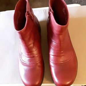 Clark's Ankle Boots  10